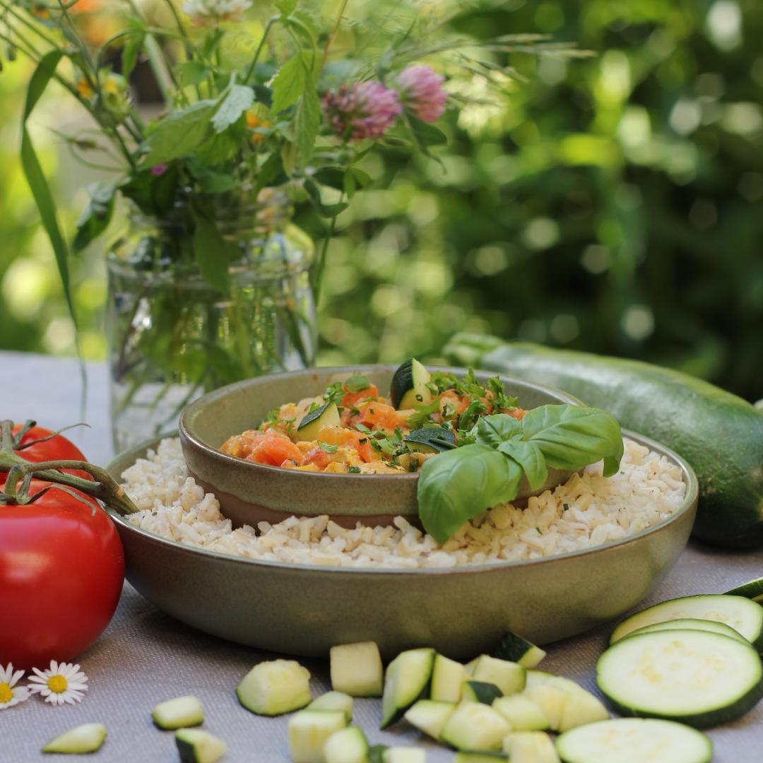 Unser Sommergericht Ayurvedapfanne ist perfekt abgestimmt für sommerliche Temperaturen und bring deinen Körper in Harmonie.