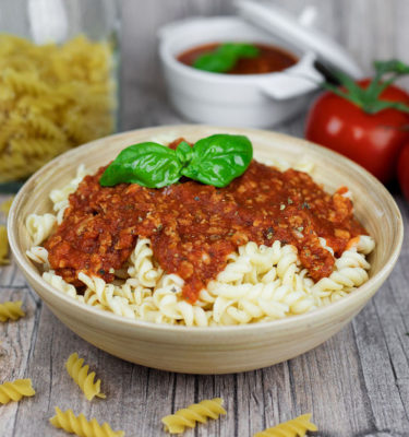 LunchVegaz Vegan Convenience Food - Organic Pasta alla Bolognese